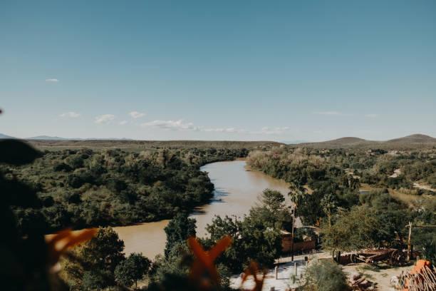 Río El Fuerte - foto de stock