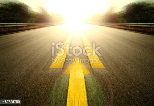 istock Road and Yellow arrow. 482728759
