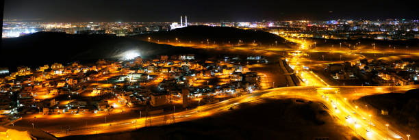 Straße in der Nacht, Muscat, Oman – Foto