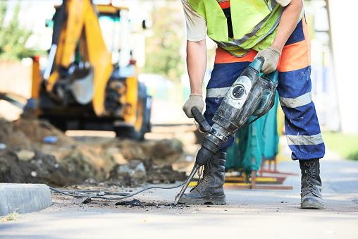 Road Construction Worker Mit Perforator Stockfoto und mehr Bilder von 2015