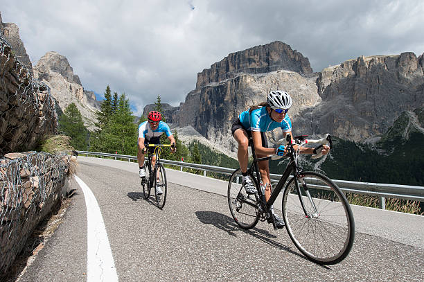straße radfahren auf höchstem niveau - cyclocross stock-fotos und bilder