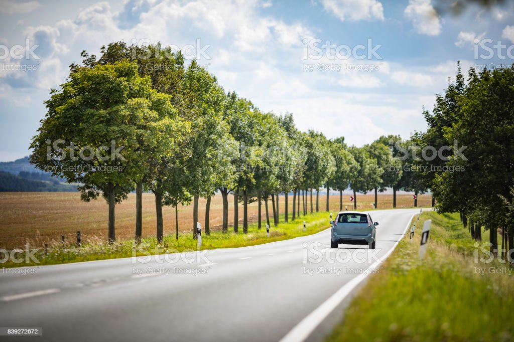 Straße in ländlichen Landschaft Lizenzfreies stock-foto