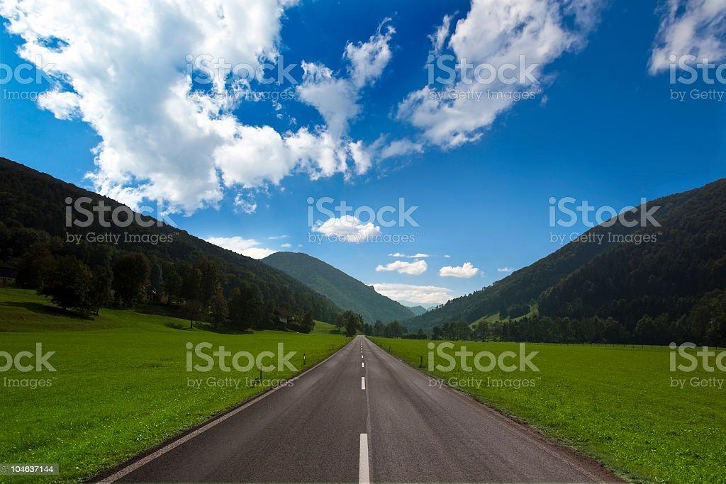 Straße in den Bergen – Foto