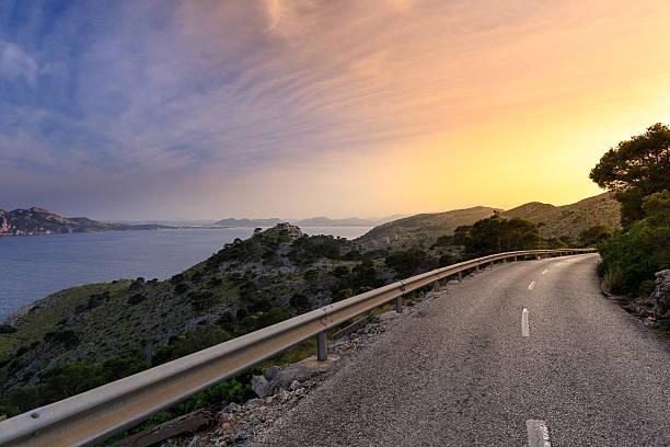 Straße in der Sonne Mallorcas – Foto
