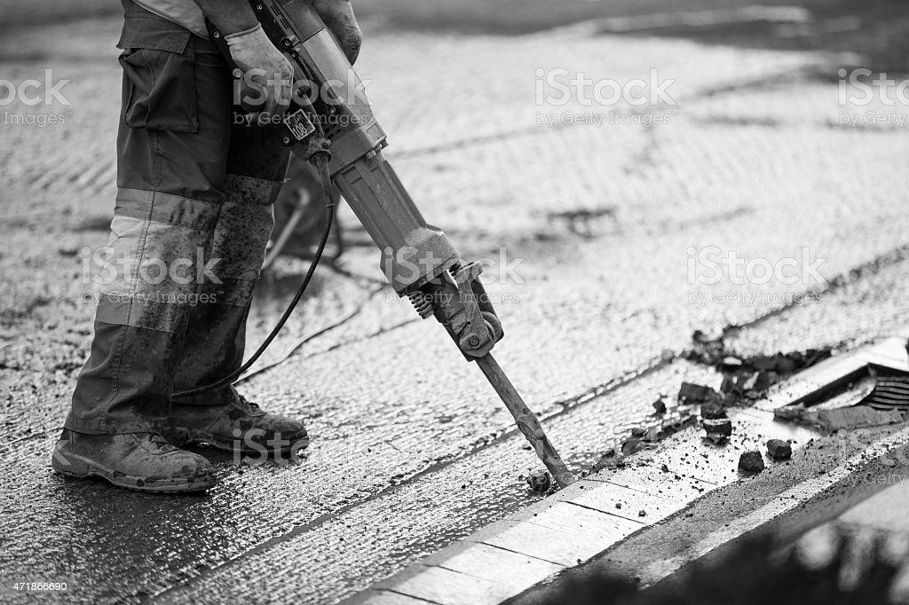 Road reparar trabaja con martillo neumático - foto de stock