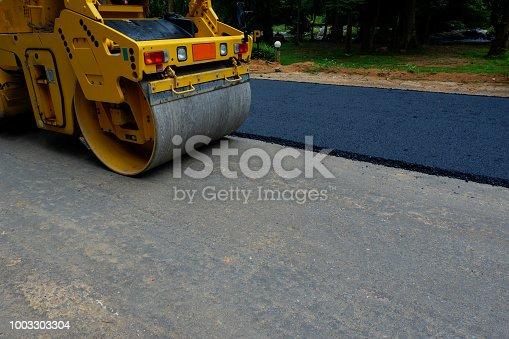 road roller repairing the asphalt pavement