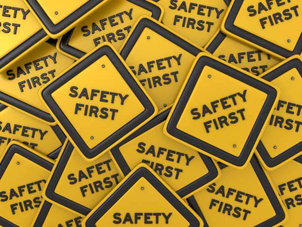 sicherheit erste straßenschild - 3d rendering - anfang stock-fotos und bilder