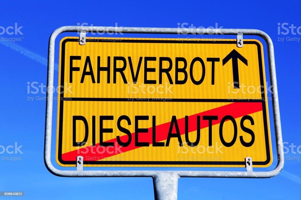 Verkehrszeichen für Diesel-Pkw in Deutschland fahren. Diesel-Verbot-symbol – Foto