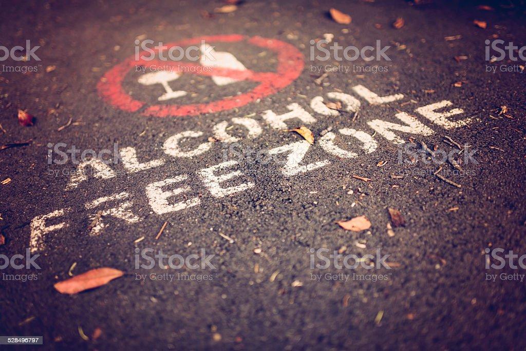 Road sign in der city park – Foto