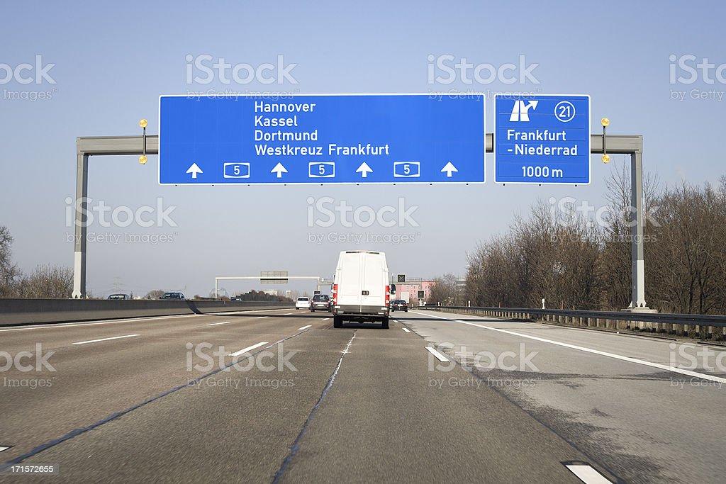 Road sign auf Deutsche autobahn A5 – Foto