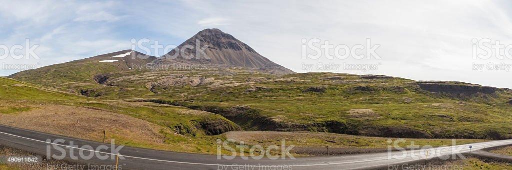Straße durch die Berge – Foto