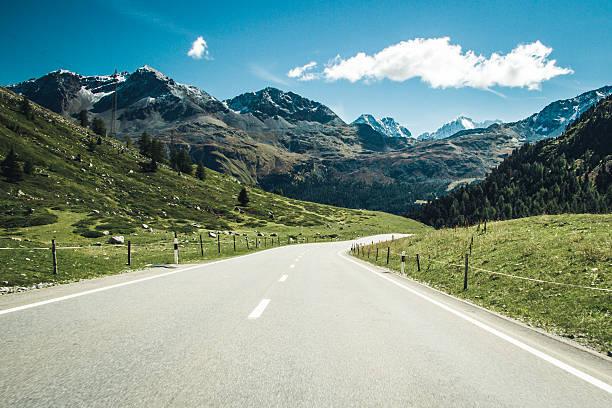 Road through swiss Alps. – Foto