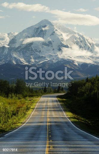 istock Road to mountains 92017914