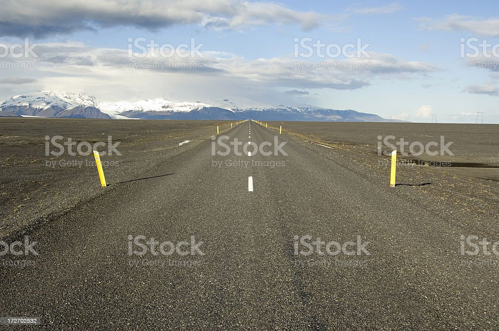 Straight section of Iceland\'s ringroad No. 1.