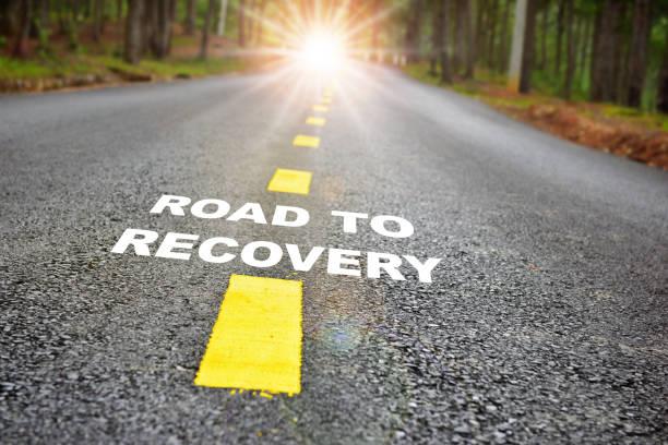strada per il recupero con sunbeam - assuefazione foto e immagini stock