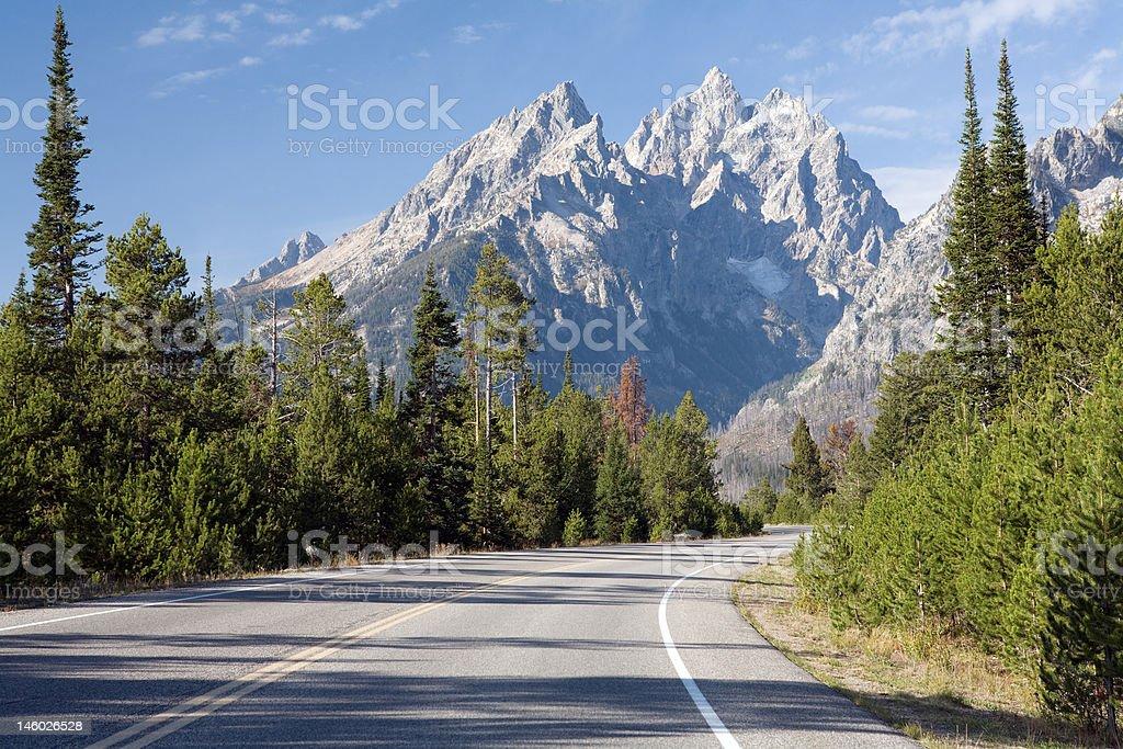 Straße in die Berge – Foto