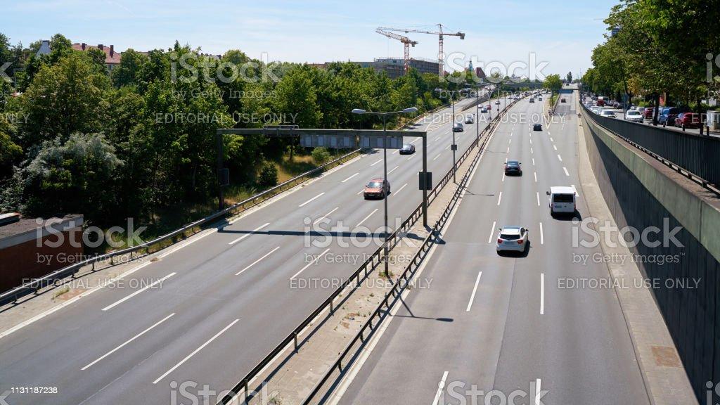 Straßenverkehr in Berlin – Foto
