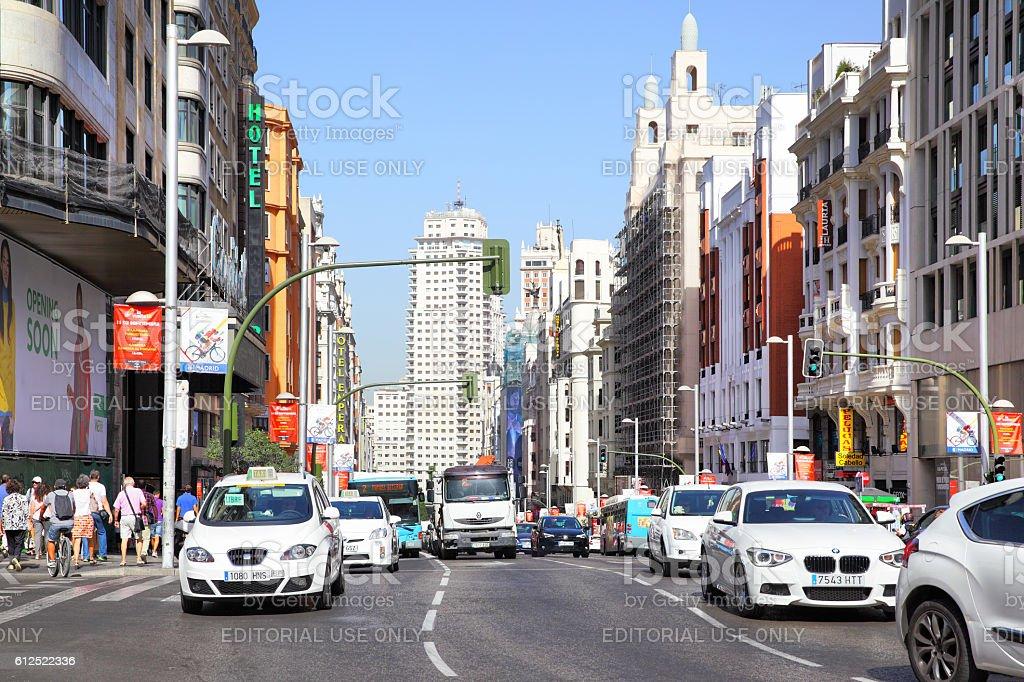 Road traffic on Gran Via - Foto de stock de Aire libre libre de derechos