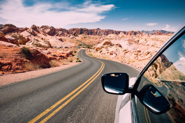 road trip - umzug transport stock-fotos und bilder