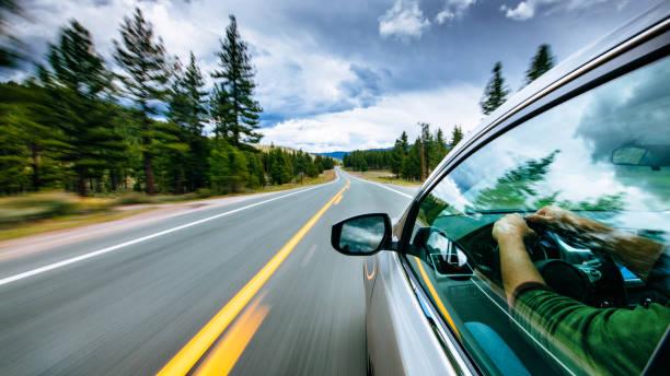 viaje por carretera  - conducir fotografías e imágenes de stock
