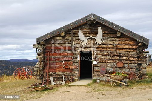 One of the oldest roadhouses of Alaska is located in Boundary.It is decorated with anlers and nostalgic objects, USA.