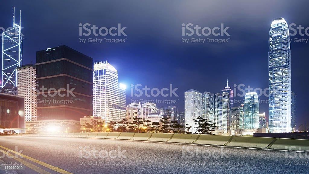 Carreteras y las ciudades foto de stock libre de derechos