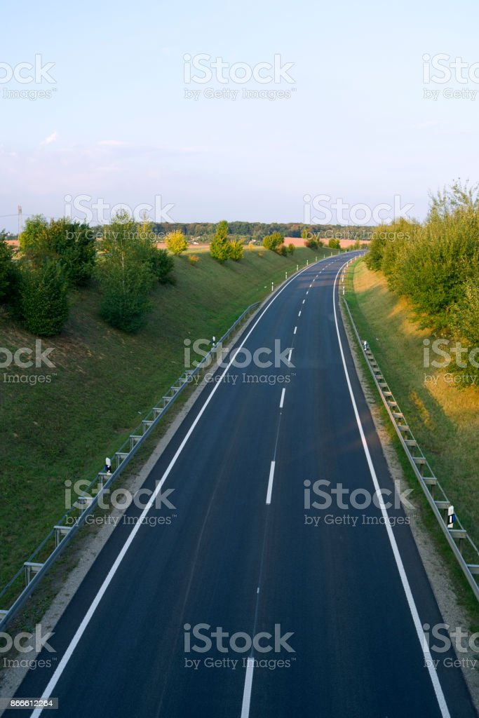 Roads: Well developed German federal road in Eastern Thuringia stock photo