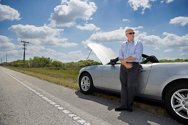 straßenrand aufschlüsselung - 1m coupe stock-fotos und bilder