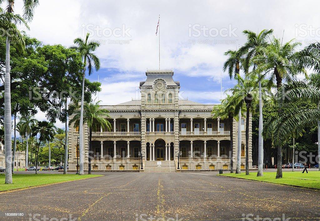 Roadway leading up to Iolani Palace in Honolulu, HI stock photo