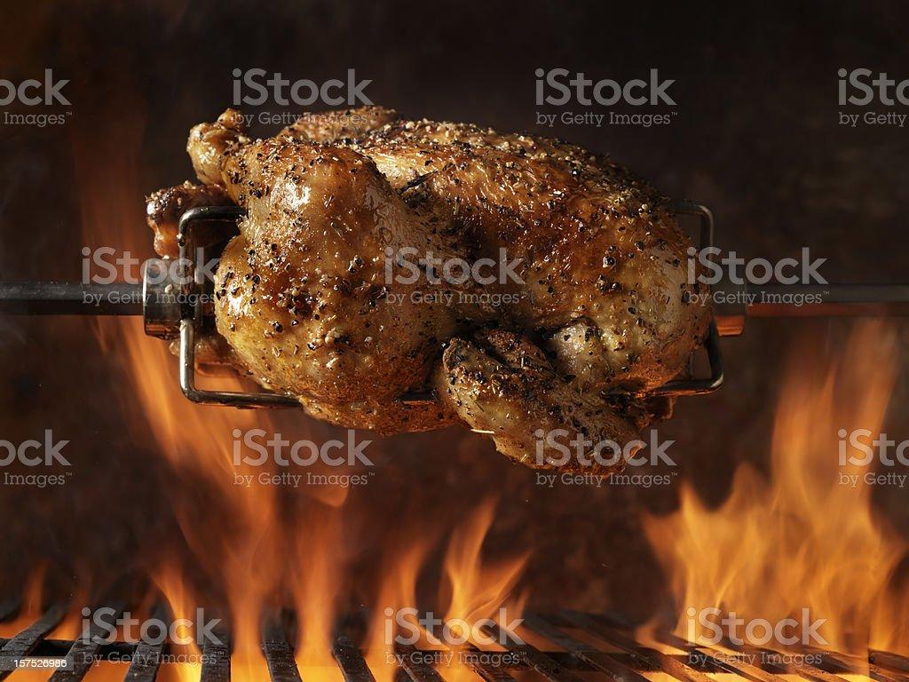 Gebratenes Hühnchen auf dem Grill – Foto