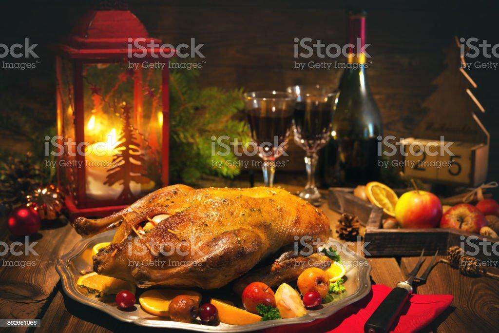 Weihnachts-Ente mit Äpfeln - Lizenzfrei Weihnachten Stock-Foto
