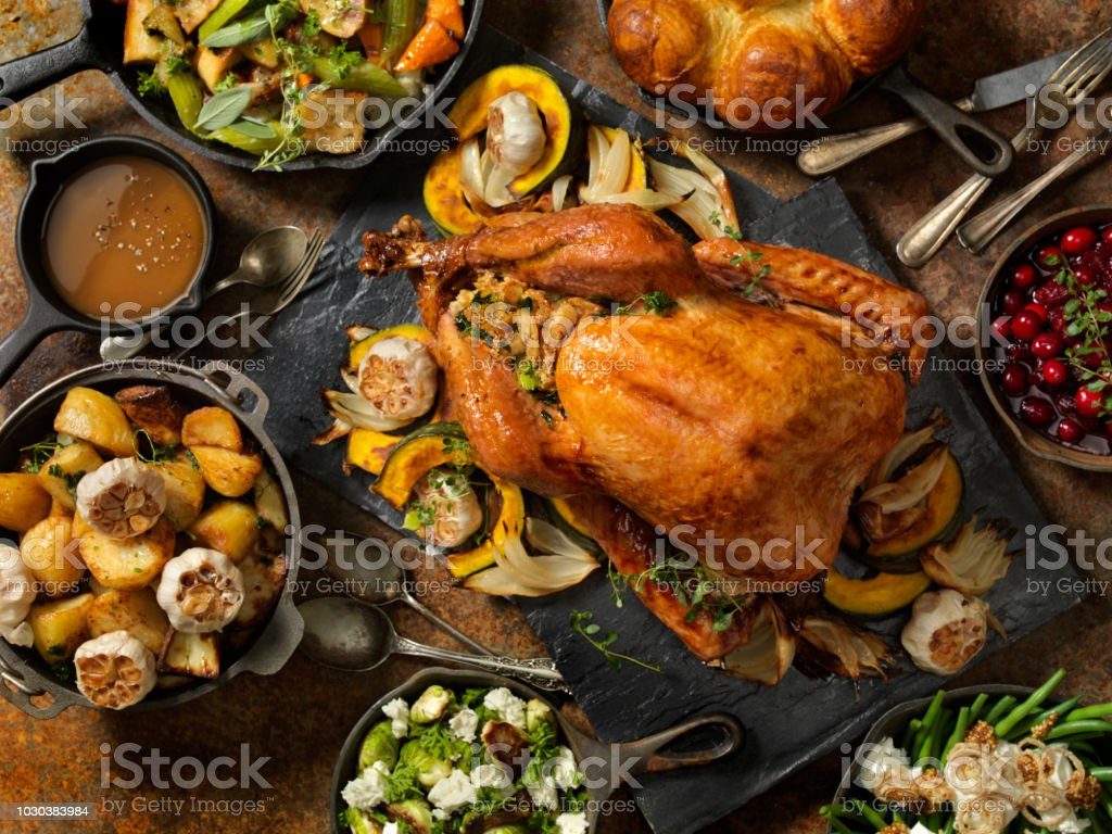 Roast Turkey Dinner - Zbiór zdjęć royalty-free (Bankiet)