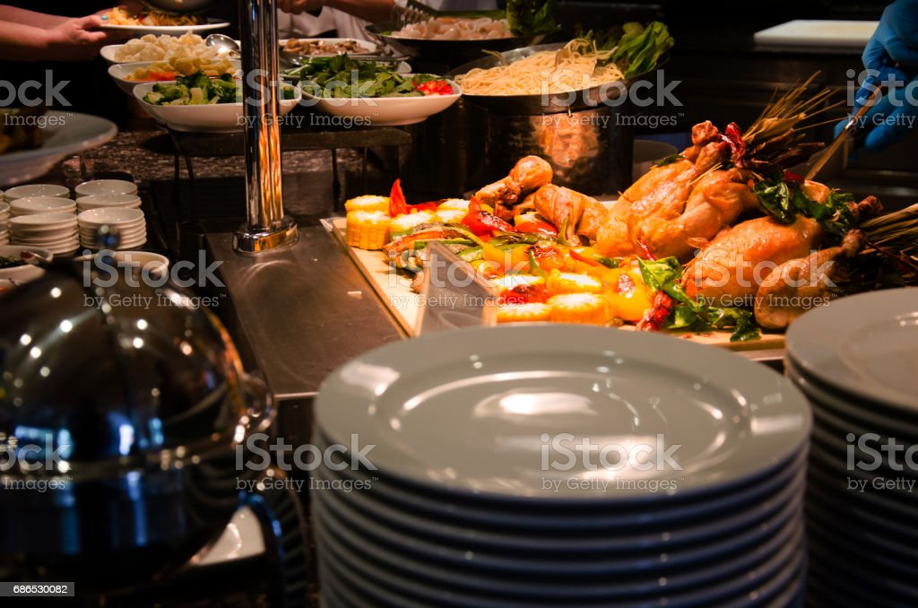 Roasted Chicken and fried bell peper serve with grilled corn royalty free stockfoto