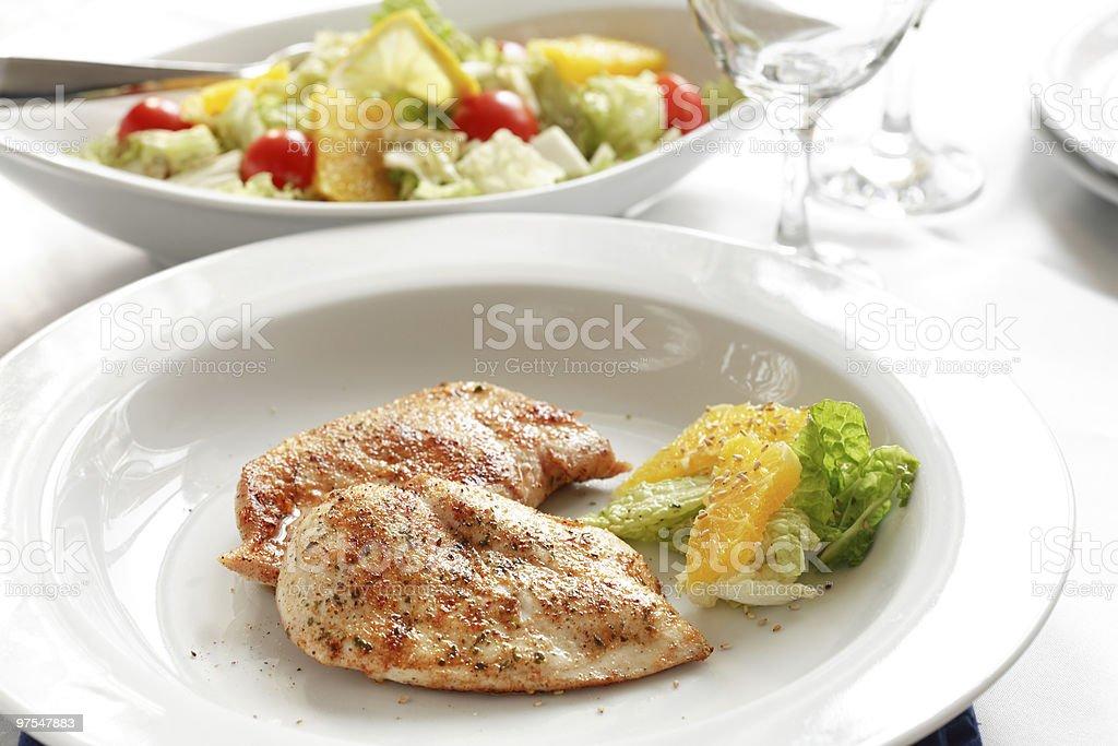 Médaillons de poulet grillé photo libre de droits