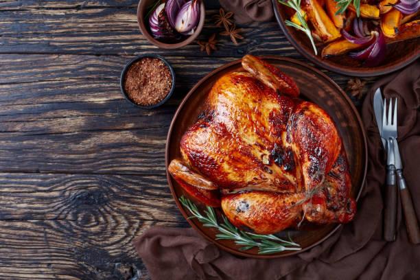 ロースト チキンのグリル カボチャ スライス - 鶏肉 ストックフォトと画像