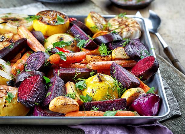 pieczona owoców i warzyw - warzywo korzeniowe zdjęcia i obrazy z banku zdjęć