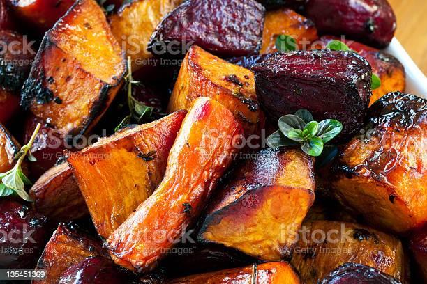 Assado Raiz Produtos Hortícolas - Fotografias de stock e mais imagens de Alimentação Saudável