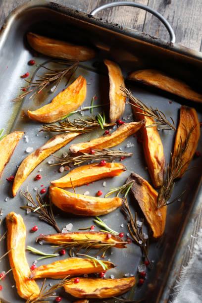 Gebratene Süßkartoffel – Foto