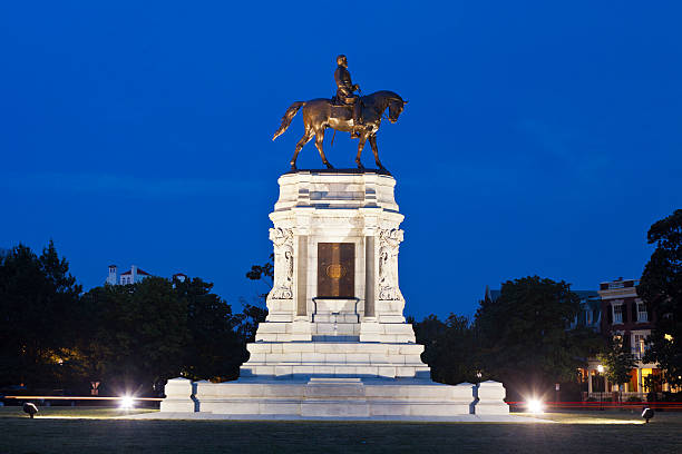 robert e. lee monument in richmond, virginia - monument bildbanksfoton och bilder