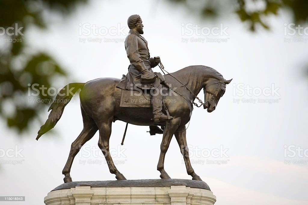 Robert E. Lee Statue On Monument Avenue, Richmond Virginia stock photo