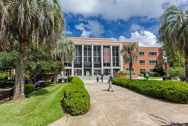 robert manning strozier library at florida state university - bibliothekschilder stock-fotos und bilder