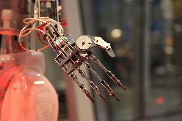 robot. main. androïde intelligence a.i.  doigts. - membre photos et images de collection