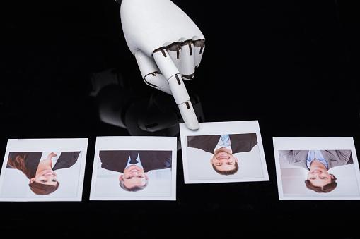Roboter Auswählen Kandidat Foto Stockfoto und mehr Bilder von Abstrakt