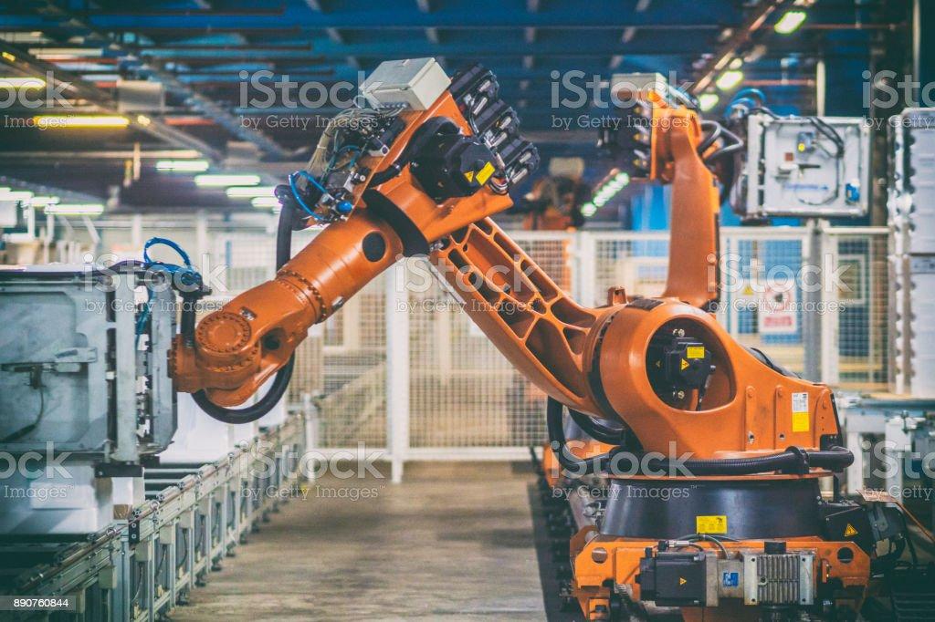 Roboterarme Umgang mit Haushaltsgeräten – Foto