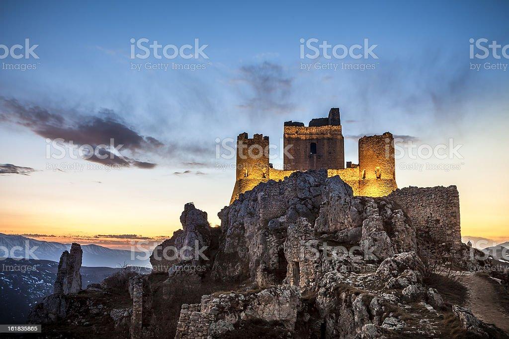 Rocca Calascio w Abruzzo, prowincja L'Aquila, Włochy – zdjęcie