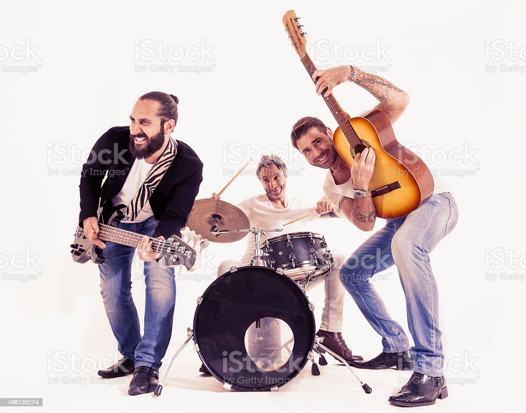 Banda de rock desempenho em um estúdio - foto de acervo