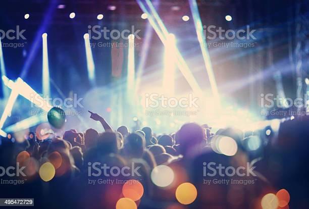 Rock concert picture id495472729?b=1&k=6&m=495472729&s=612x612&h=gnedbmje1qozigllnfp 4pd4c9tj4bcvszbbegh nge=
