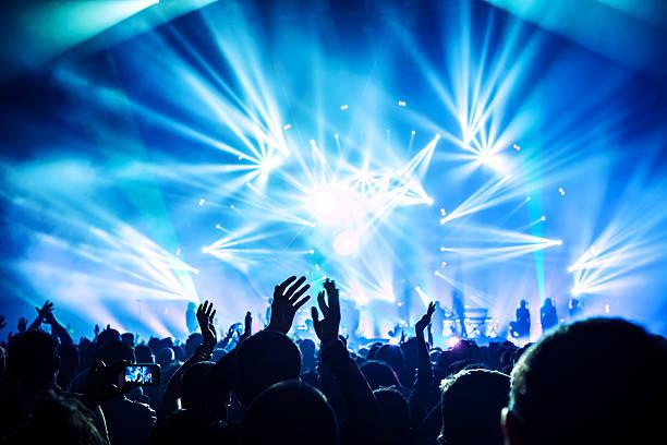 ロックのコンサート - ポップミュージシャン ストックフォトと画像