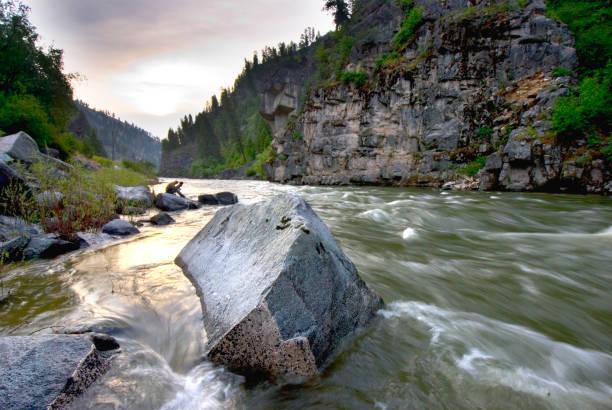 Rock in de Payette-rivier foto