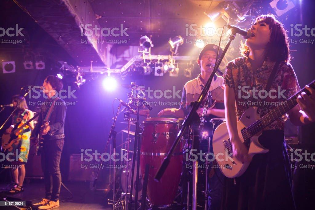 ロックバンドの音楽 ストックフォト